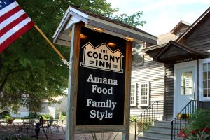 ColonyInnSign