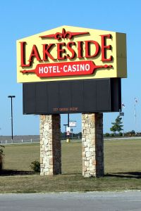 LakesideRVParkSign